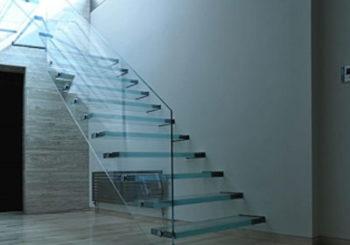 Pembuatan Tangga – AULIA MANDIRI GLASS 0812-9527-1324 / 0877-8664-0021